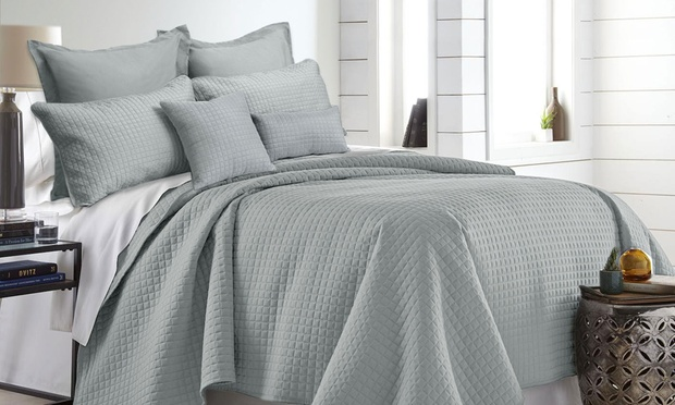 1000TC Seven Piece Premium Hotel Quality Comforter Set: Queen ($39) or King ($49) (Dont Pay up to $249)